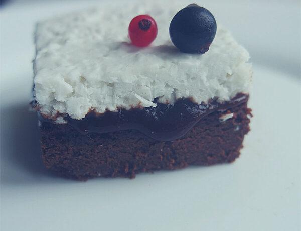 keto ciasto bez nabiału śmietanka kokosowa powidła dieta ketogeniczna jadietetyk