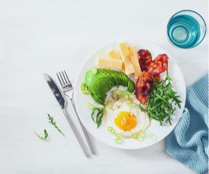 Odchudzanie na diecie ketogennej- czy to jedyna słuszna droga?